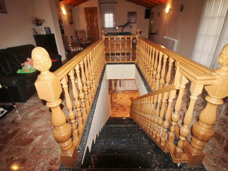 Gran casa en venda amb pista de tenis a Cànoves i Samalús 23