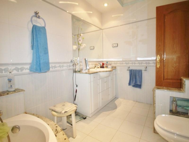 Gran casa en venda amb pista de tenis a Cànoves i Samalús 25