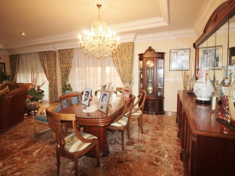 Gran casa en venda amb pista de tenis a Cànoves i Samalús 3