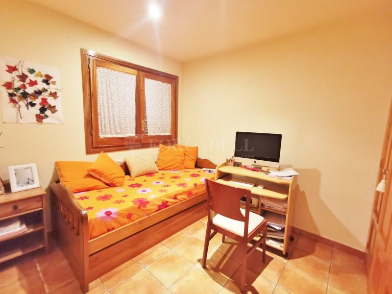 Fantàstica casa amb piscina en venda a La Garriga 23