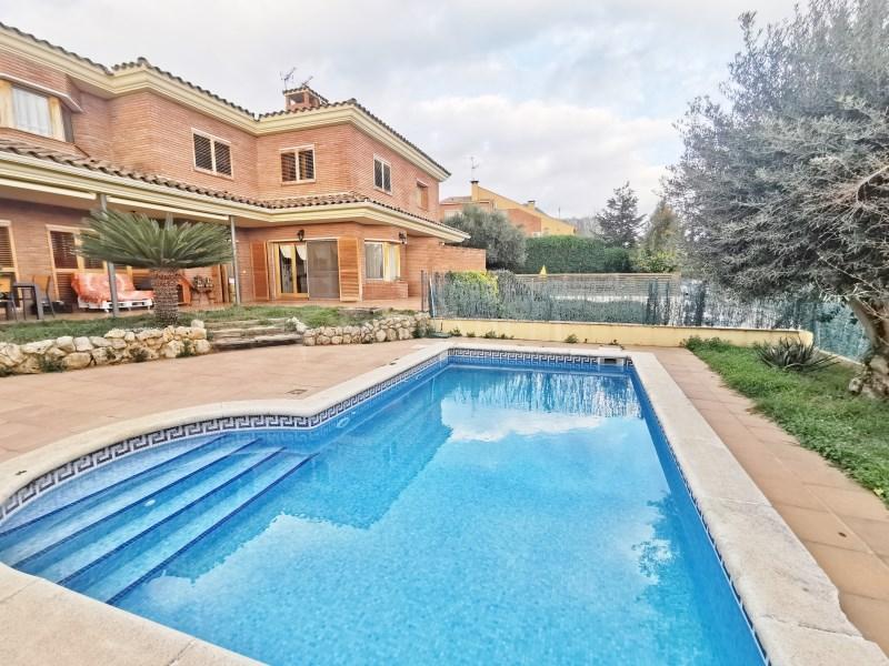Fantàstica casa amb piscina en venda a La Garriga 38
