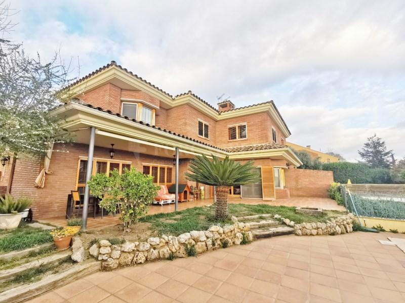 Fantàstica casa amb piscina en venda a La Garriga 39