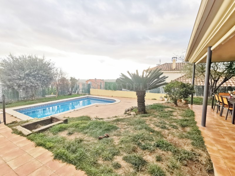 Fantàstica casa amb piscina en venda a La Garriga 40