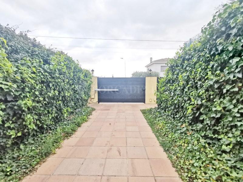 Fantàstica casa amb piscina en venda a La Garriga 44