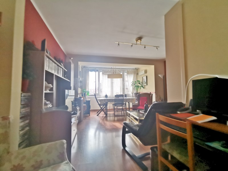 94m² apartment for sale in Girona street 6