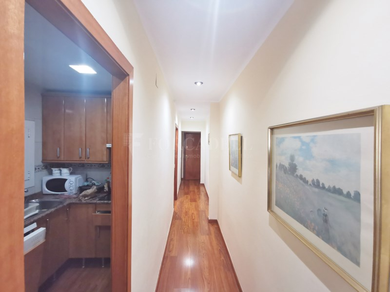 94m² apartment for sale in Girona street 10