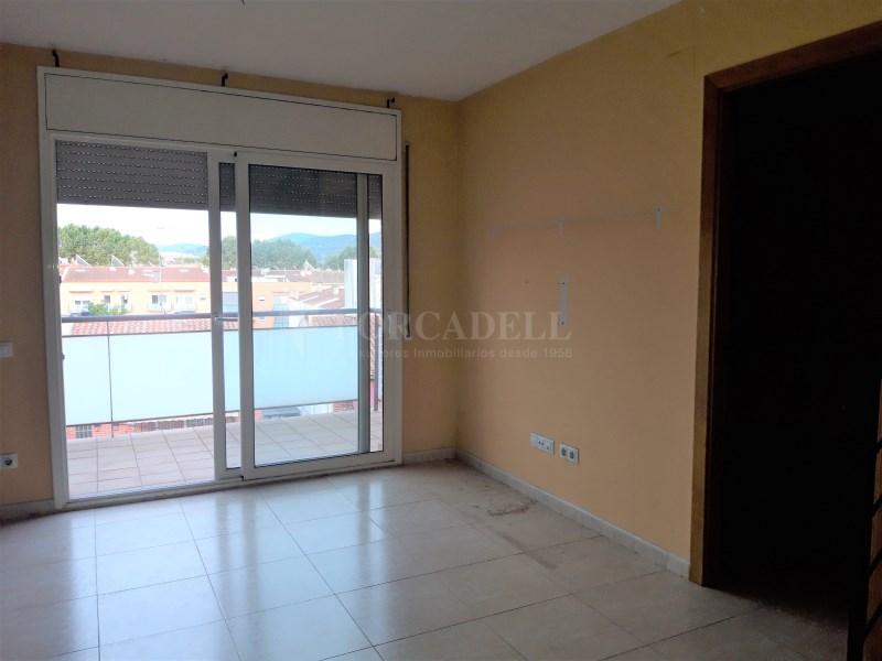 Duplex de 105 m² amb terrassa i piscina comunitària a Cardedeu