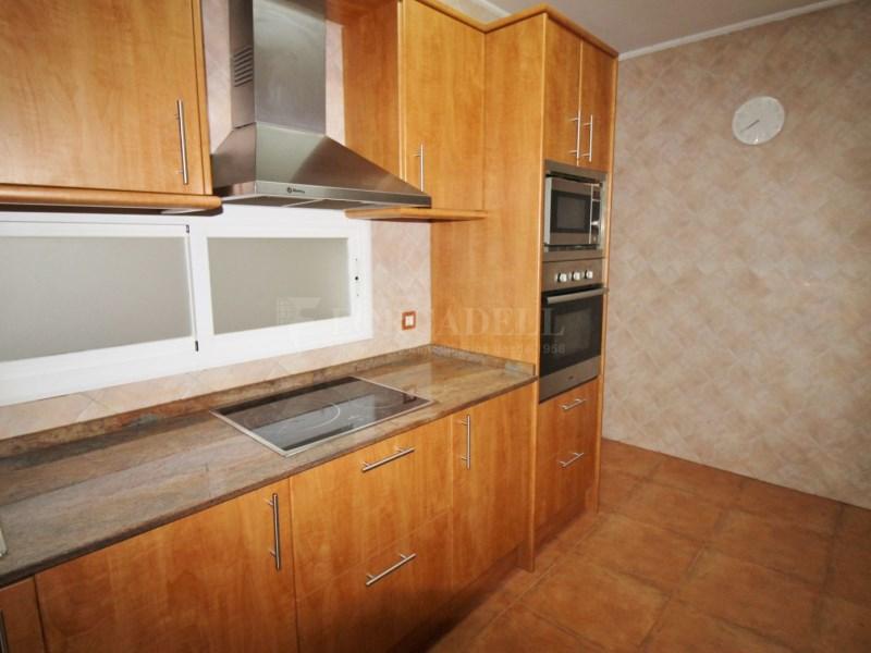 Fantàstic pis en venda situat al carrer de Sant Galdric 12