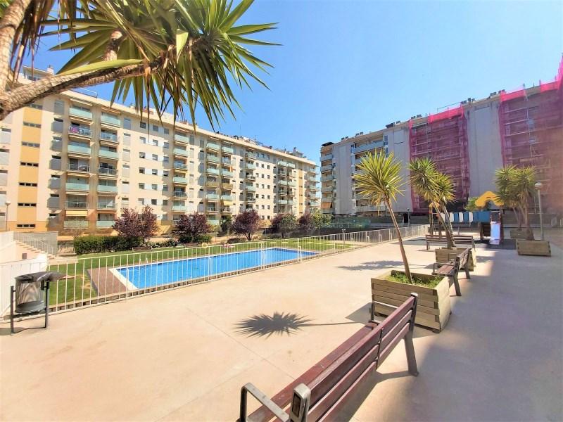 Bonic pis seminou de 70m² amb piscina i plaça d'aparcament 9