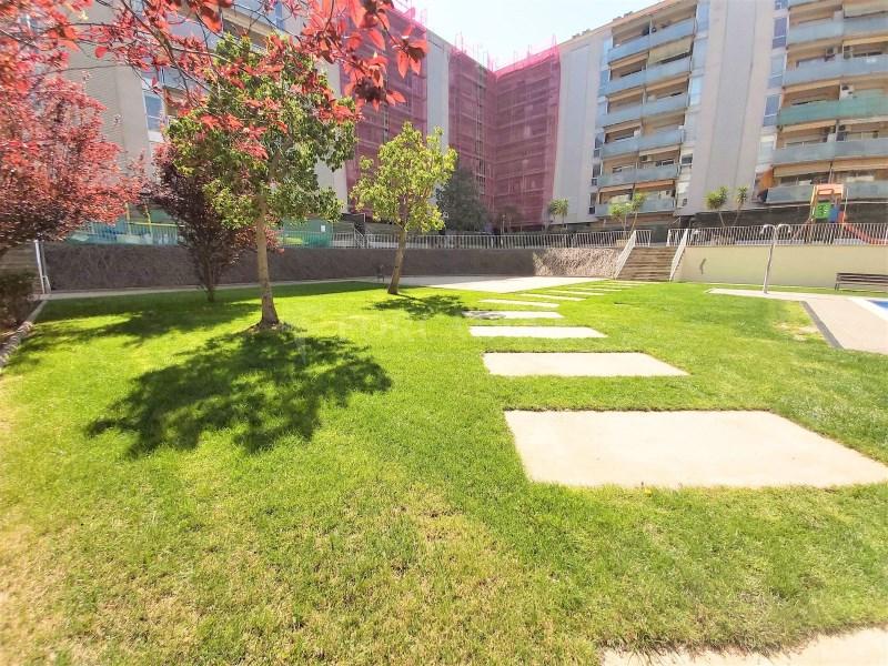 Bonic pis seminou de 70m² amb piscina i plaça d'aparcament 11