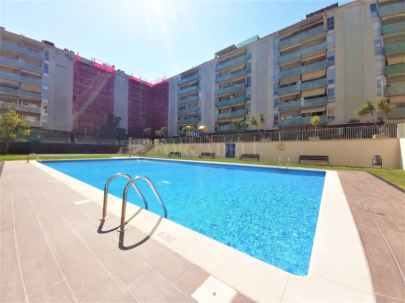 Bonic pis seminou de 70m² amb piscina i plaça d'aparcament 13