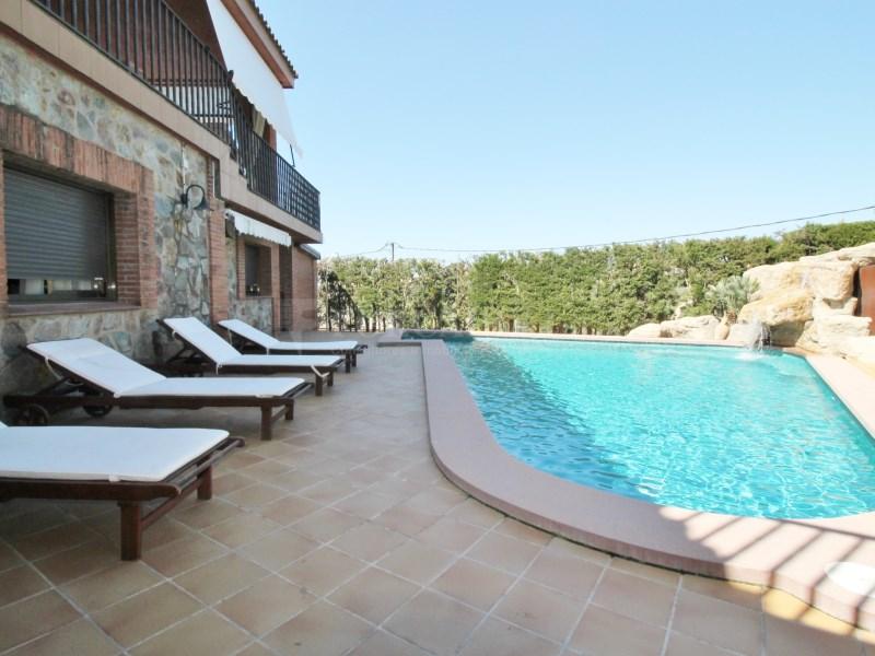 Magnífica casa amb piscina en venda a Ullastrell 5