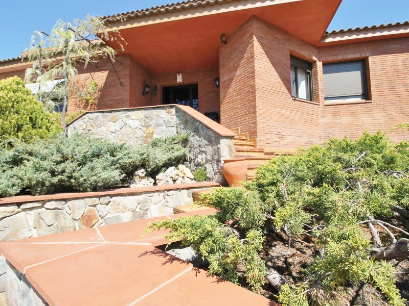 Magnífica casa amb piscina en venda a Ullastrell 85