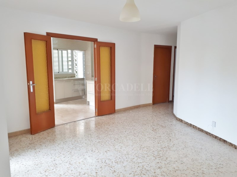 Large flat for sale in Palma 4