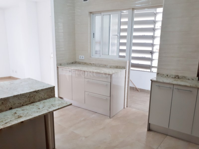 Large flat for sale in Palma 14