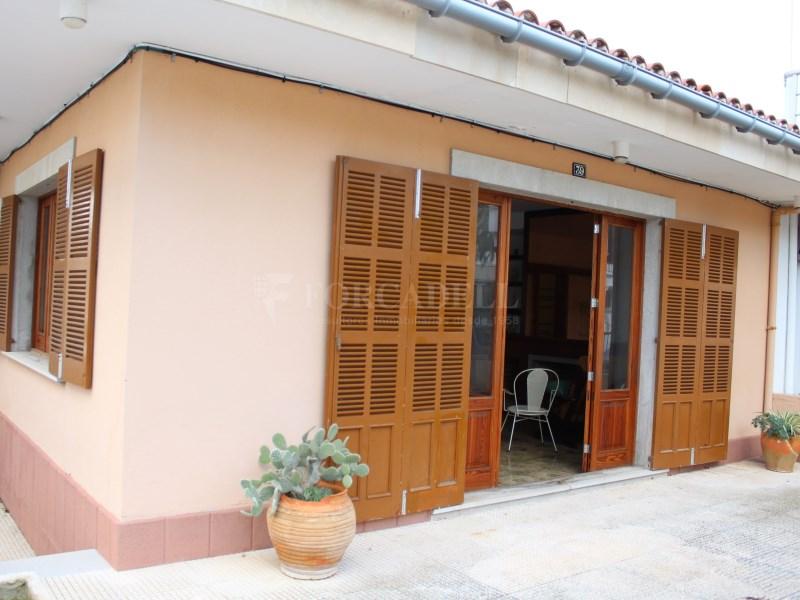 Casa en venda amb vàries terrasses molt a prop de la platja de Can Picafort 2