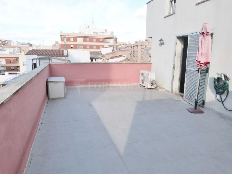 Dúplex amb terrassa de 27m² a travessera de les Avingudes de Palma 5