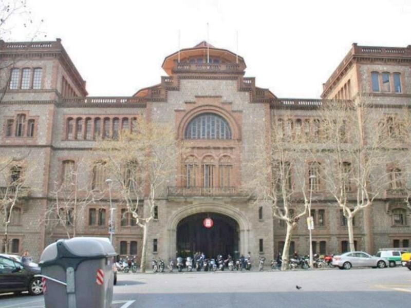 Plaça d'aparcament per a cotxe en venda al carrer Diputació, Barcelona 4