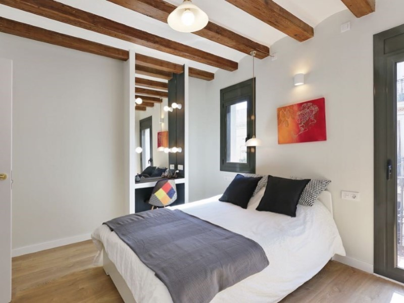 Renovated apartment in the neighborhood of Poble-sec 5