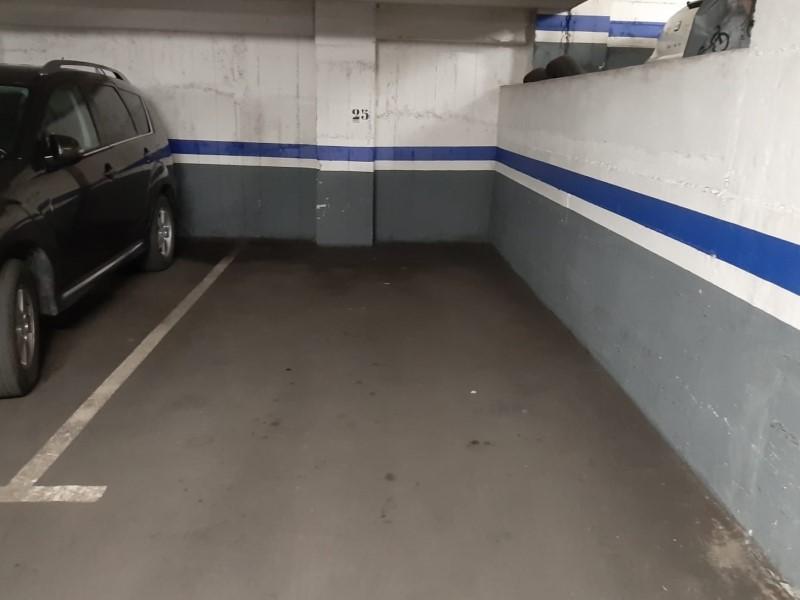 Plaça d'aparcament en venda a la Nova Eixample Esquerra, Barcelona.