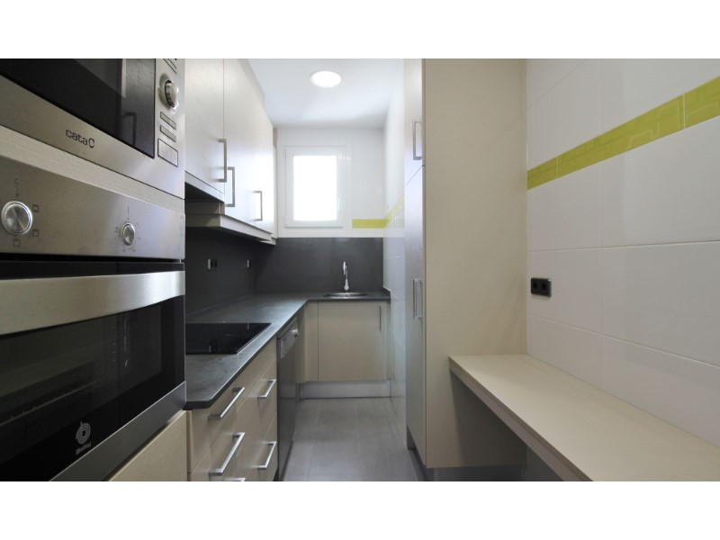 Cozy renovated apartment for sale located in Galileu street 10
