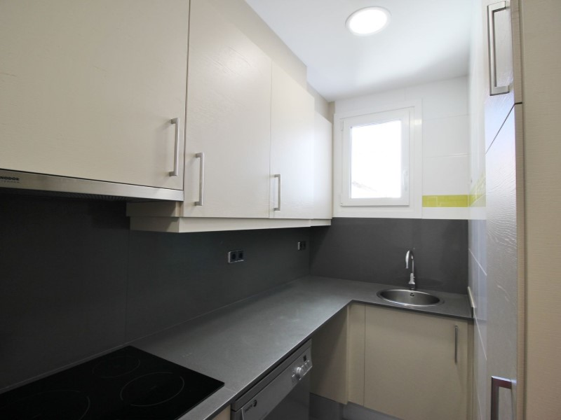 Cozy renovated apartment for sale located in Galileu street 11
