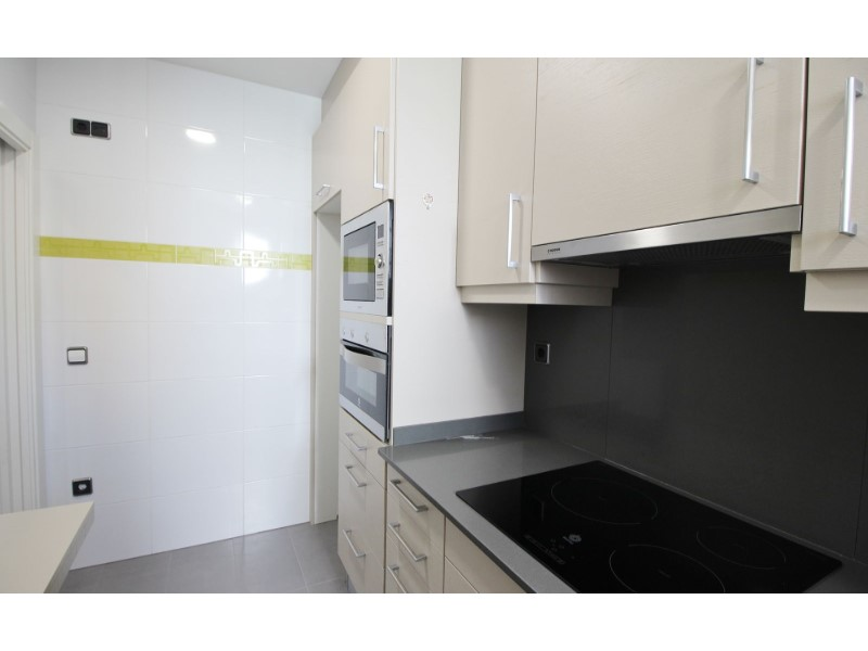 Cozy renovated apartment for sale located in Galileu street 13
