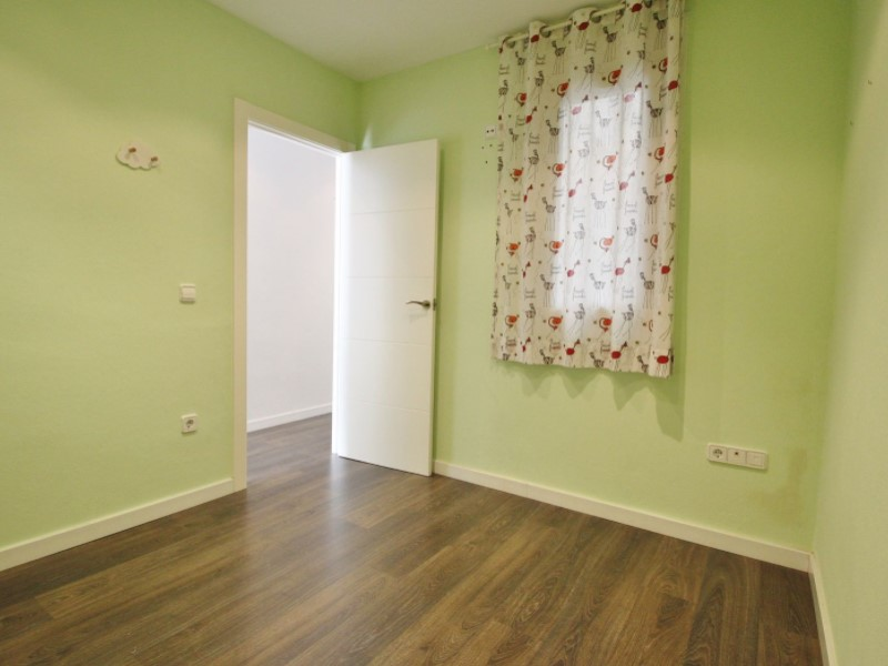 Cozy renovated apartment for sale located in Galileu street 19