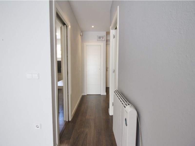 Cozy renovated apartment for sale located in Galileu street 20