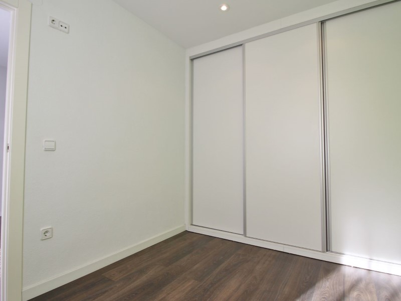 Cozy renovated apartment for sale located in Galileu street 16