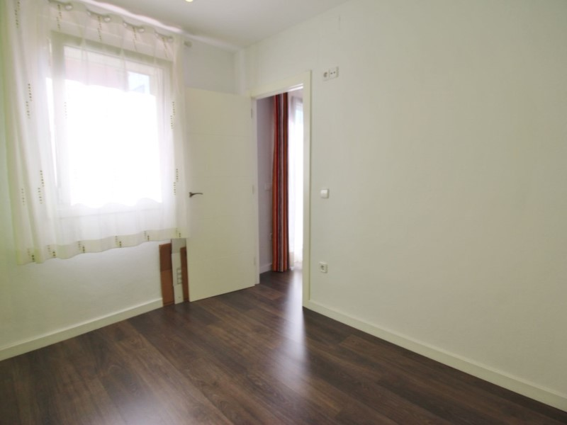 Cozy renovated apartment for sale located in Galileu street 17