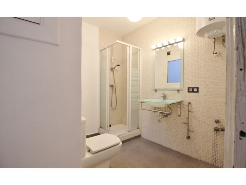 Fantastic apartment for sale located on Entença 21