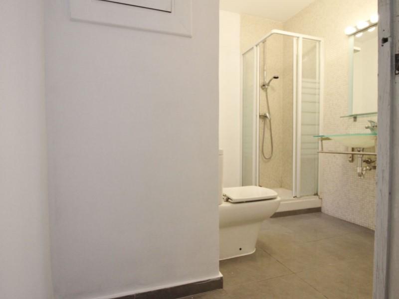 Fantastic apartment for sale located on Entença 20