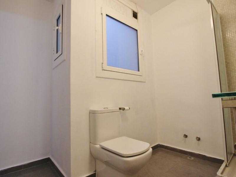 Fantastic apartment for sale located on Entença 24