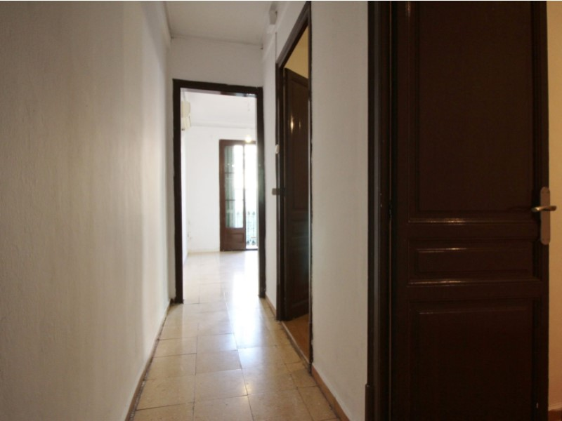 Fantastic apartment for sale located on Entença 9