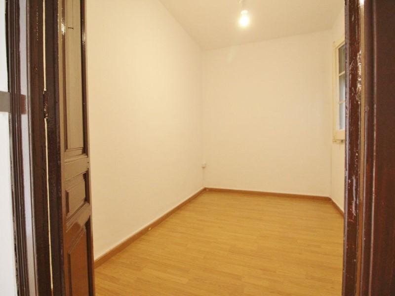 Fantastic apartment for sale located on Entença 18