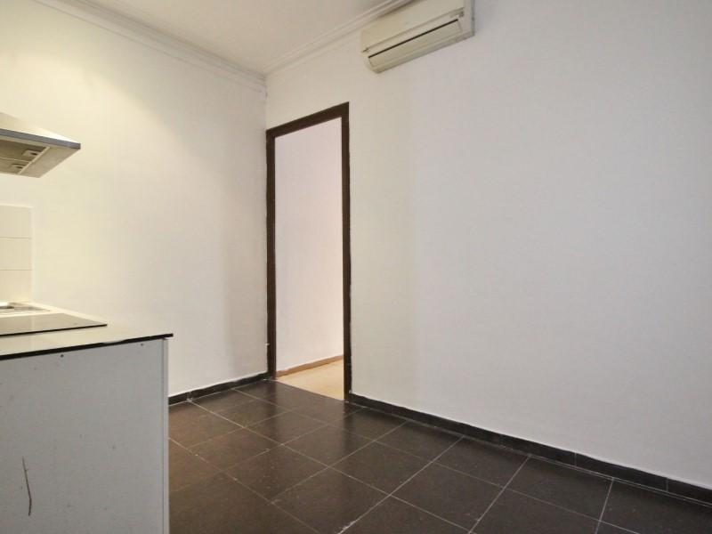 Fantastic apartment for sale located on Entença 15