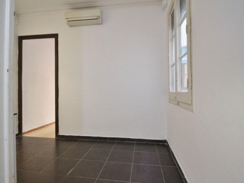 Fantastic apartment for sale located on Entença 16