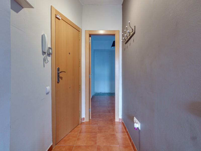 Fantàstic i lluminós pis per a entrar a viure en el barri de la Bordeta 8
