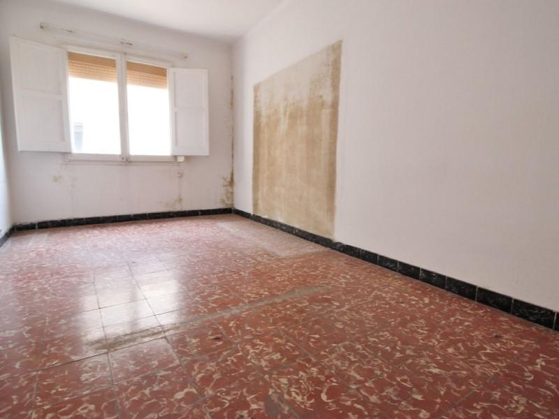 Àtic en venda per a reformar situat al carrer Noguera Pallaresa