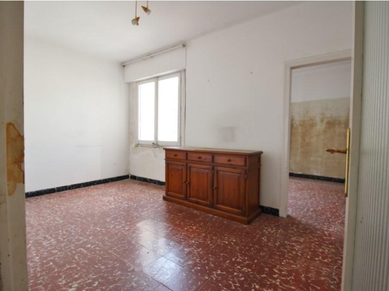 Àtic en venda per a reformar situat al carrer Noguera Pallaresa 2
