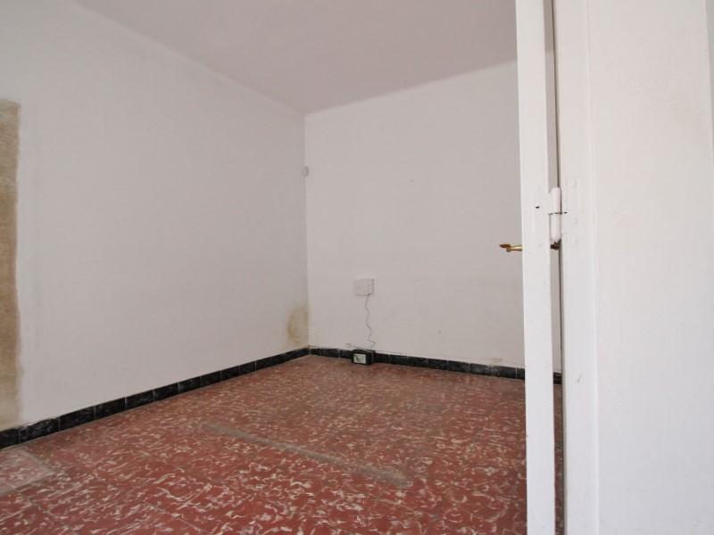 Àtic en venda per a reformar situat al carrer Noguera Pallaresa 6