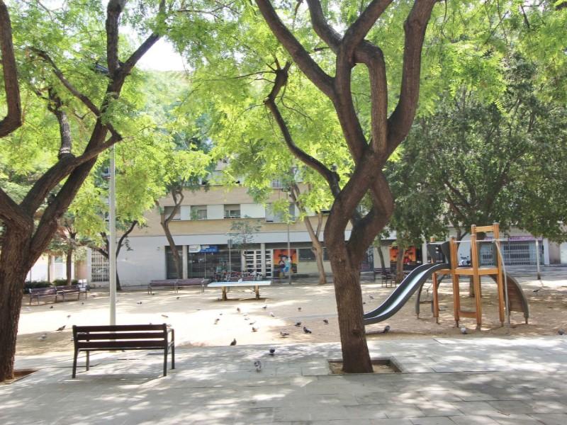 Àtic en venda per a reformar situat al carrer Noguera Pallaresa 21