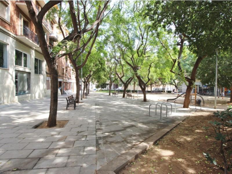 Àtic en venda per a reformar situat al carrer Noguera Pallaresa 22