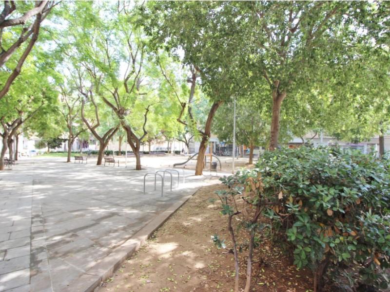 Àtic en venda per a reformar situat al carrer Noguera Pallaresa 23