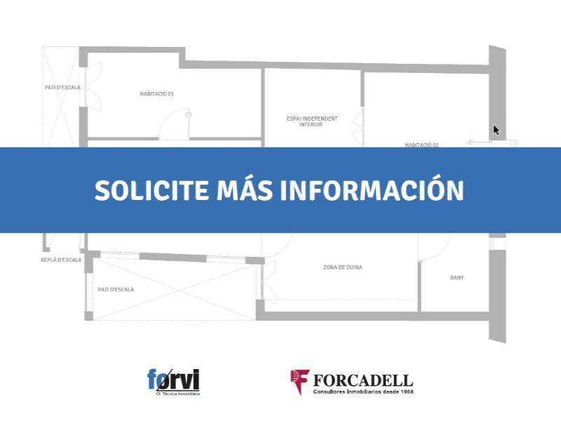 Àtic en venda per a reformar situat al carrer Noguera Pallaresa 24