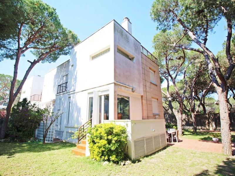 Casa adossada a l'avinguda Europa a Gavà Mar. Província de Barcelona 3