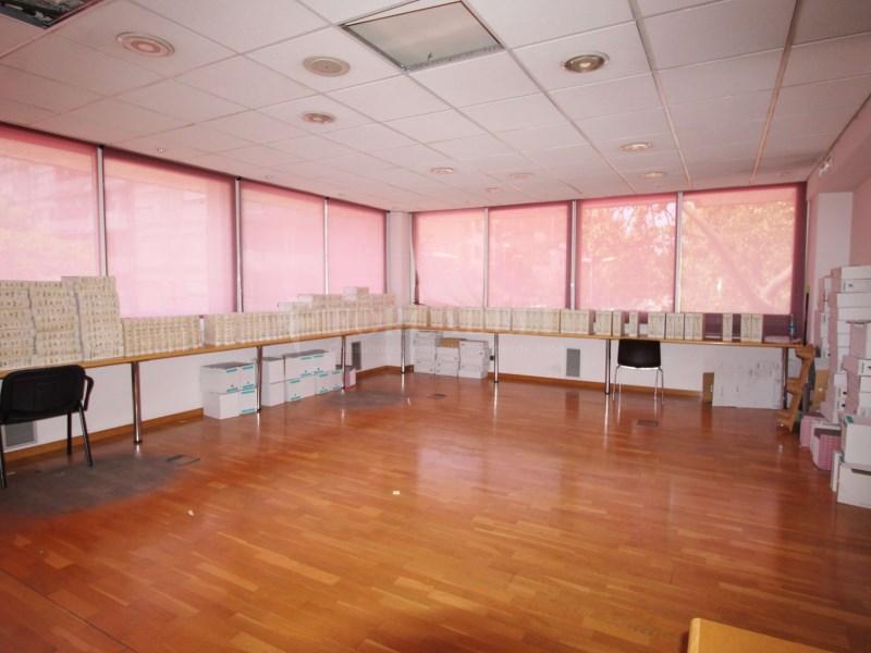 Oficines en venda al centre de Sant Boi, Barcelona.