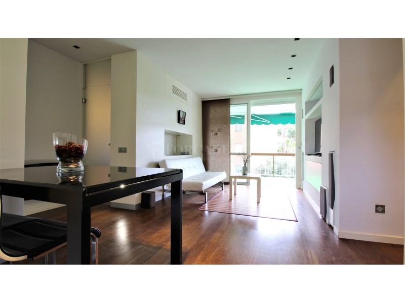 Fantástico piso de 3 habitaciones con piscina, parking y trastero en Gavà 2