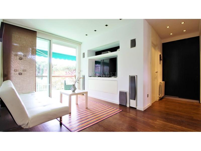 Fantástico piso de 3 habitaciones con piscina, parking y trastero en Gavà 6